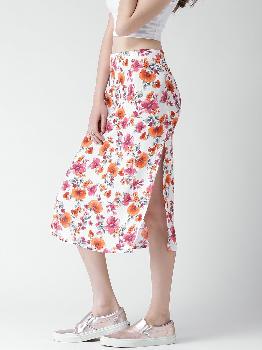 1bfff5eb0 Buy FOREVER 21 White & Pink Floral Print Pencil Skirt - Skirts for ...