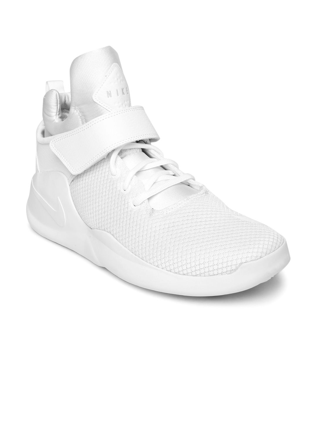 pretty nice fcbbb bf032 Buy Nike Men White Kwazi Mid Top Sneakers - Casual Shoes for Men 1421298    Myntra
