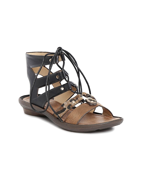 112e44c3140c Buy Catwalk Women Beige   Black Solid Gladiators - Flats for Women ...