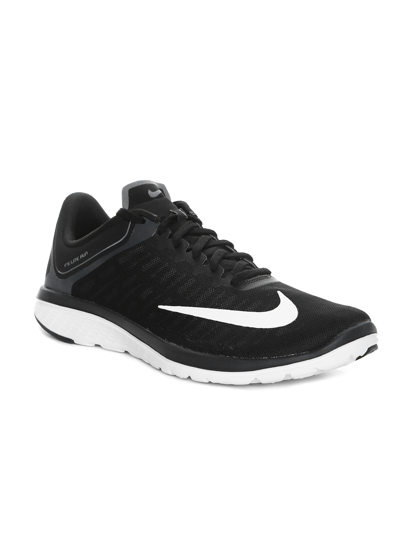 huge selection of 01b75 38a4a Nike Men Black FS Lite Run 4 Running Shoes