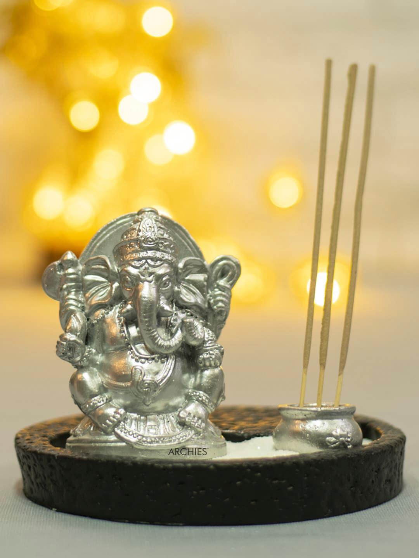 Archies Silver Toned Ganesha Zen Candle Set