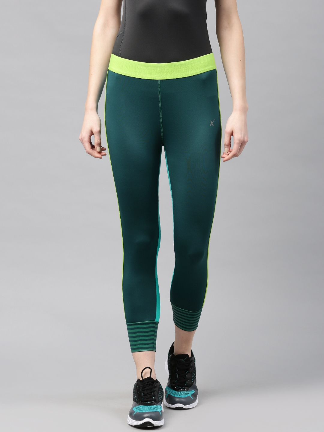 43975359a HRX by Hrithik Roshan Green   Teal Blue Active Training RAPID-DRY Tights