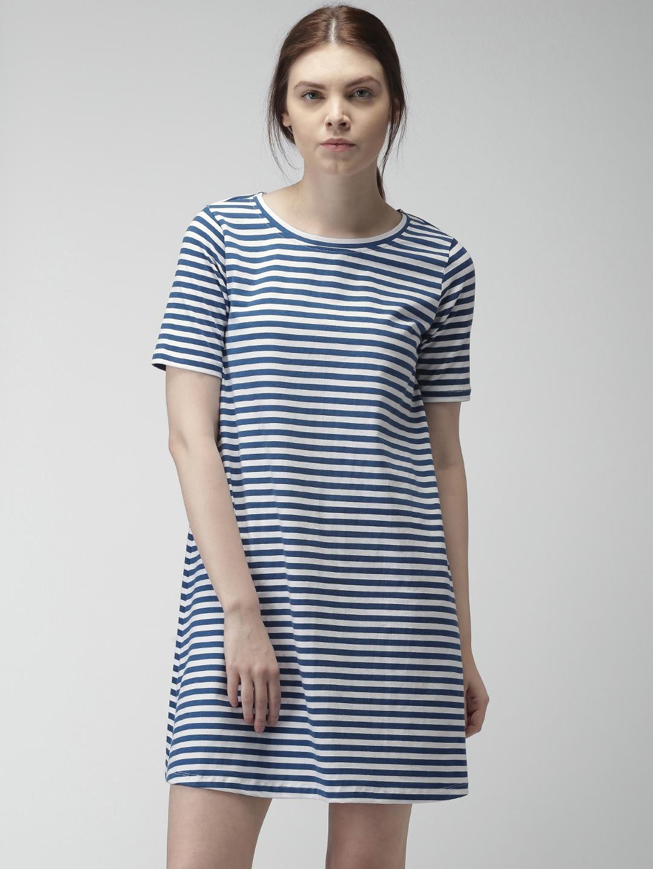 655709111e18 Buy Mast & Harbour Women Navy & White Striped T Shirt Dress ...
