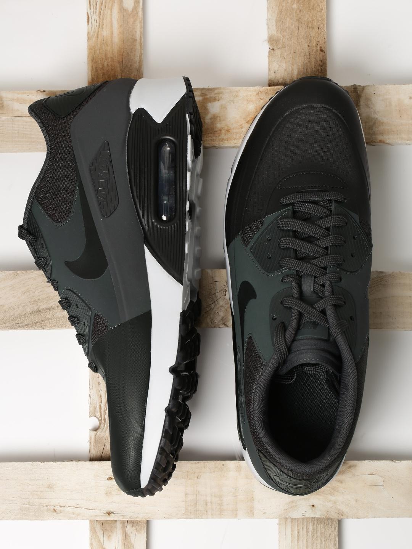 new products 7bfa0 ba2a6 Nike Men Black & Charcoal Grey AIR MAX 90 ULTRA 2.0 Sneakers
