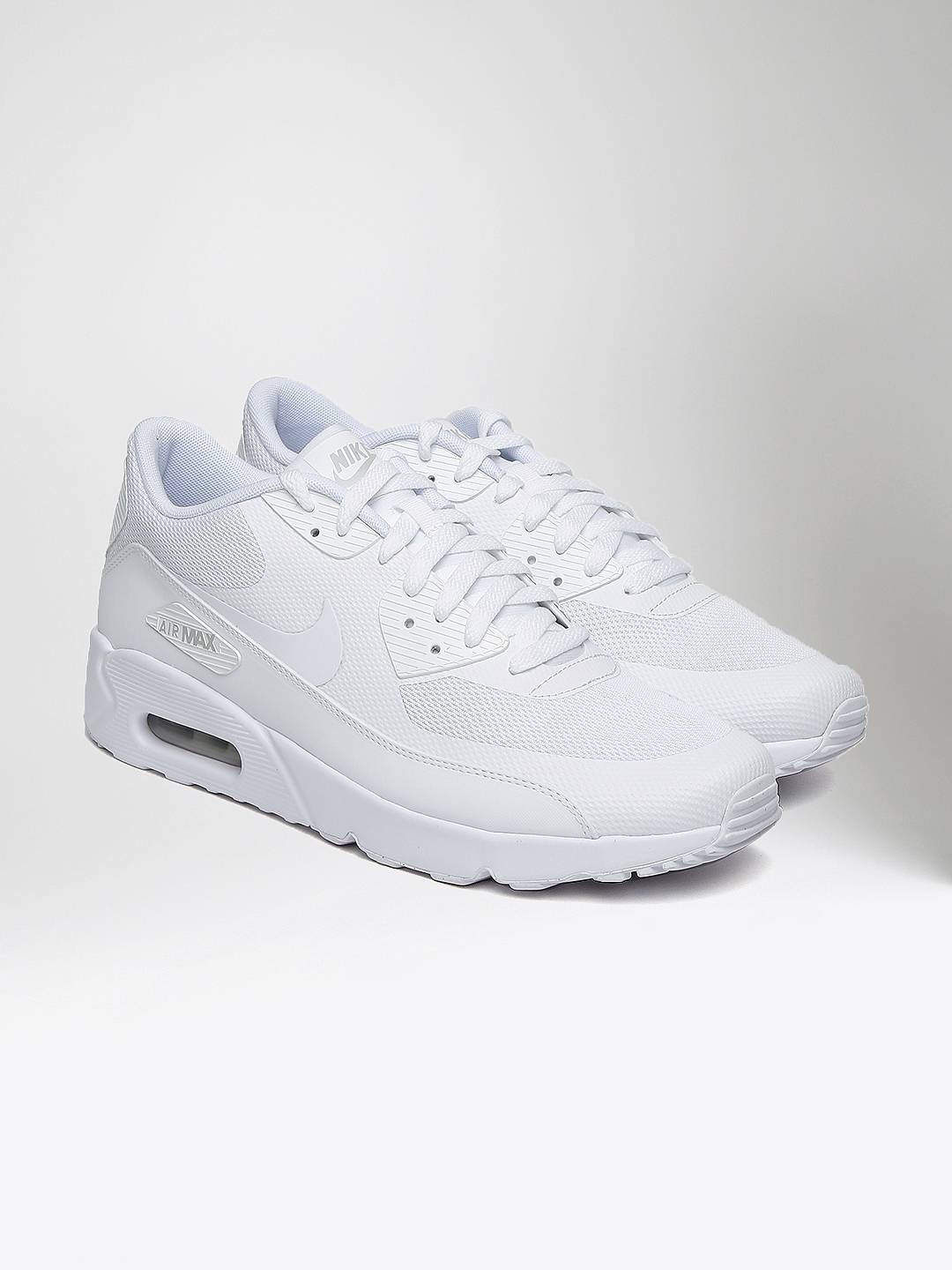 half off 67cf0 959fe Nike Men White Air Max 90 Ultra 2.0 Essential Sneakers