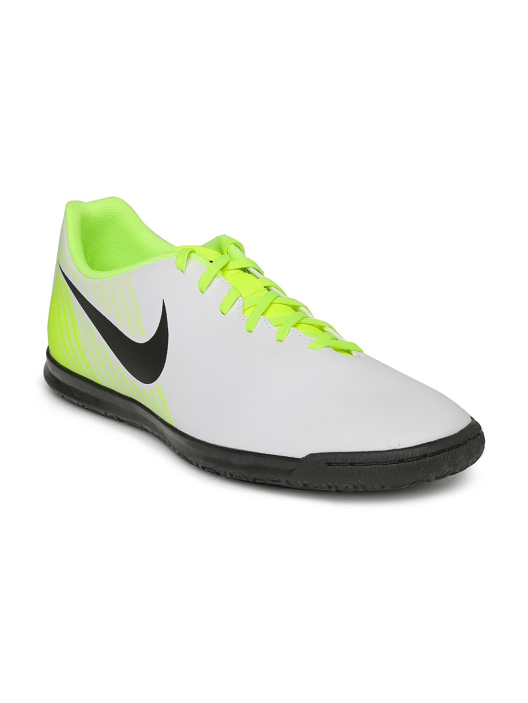 Nike Men White MAGISTAX OLA II IC Football Shoes