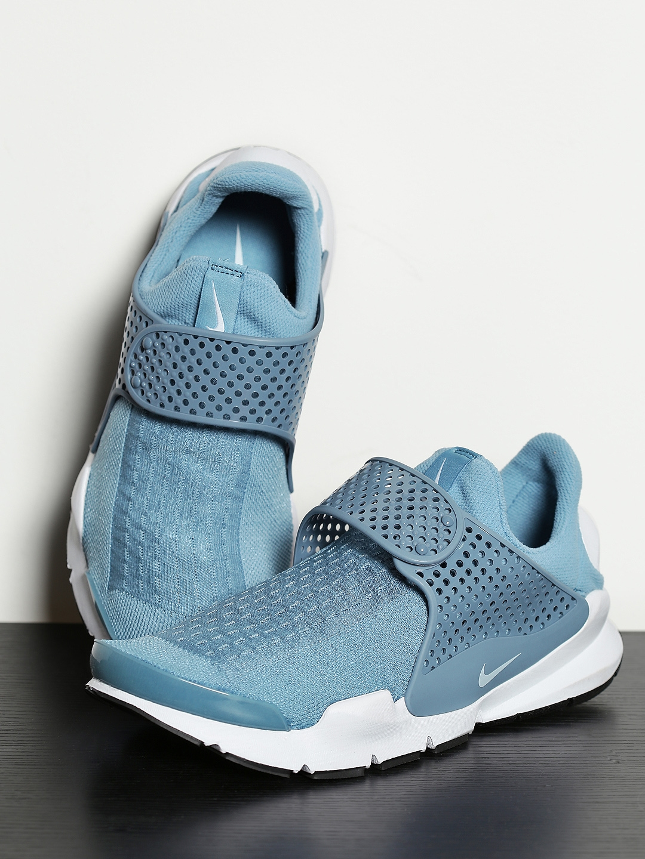 buy online 4d91d 93de6 Nike Men Blue Sock Dart KJCRD Slip-On Sneakers