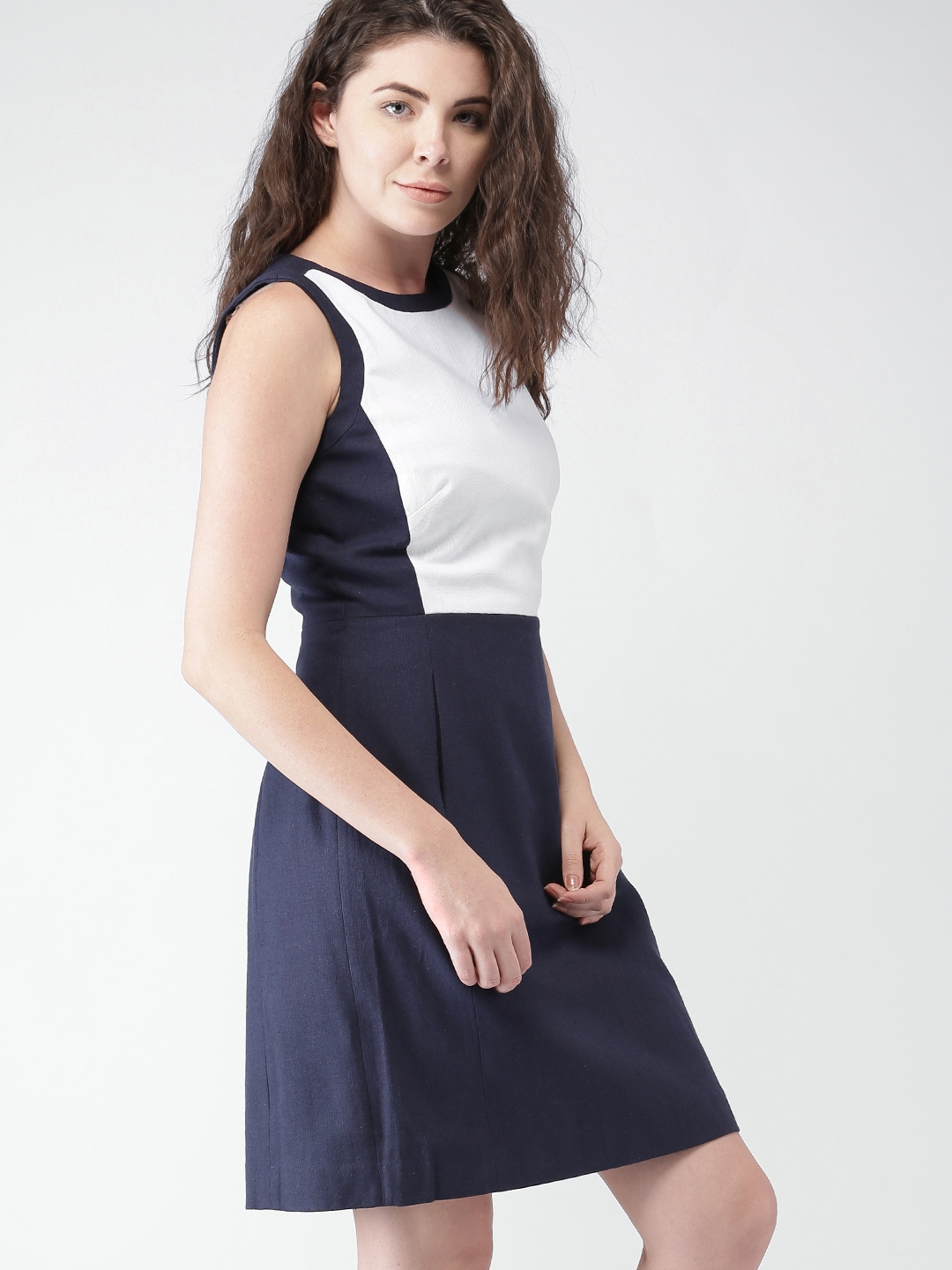 4a91df42e6 Buy Tommy Hilfiger Women Navy & White Solid Fit & Flare Dress ...
