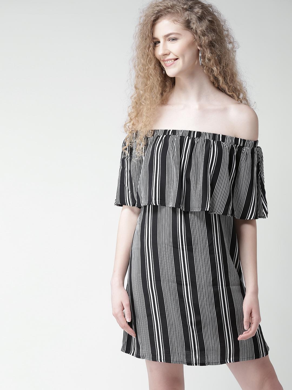 3c3306b4bac FOREVER 21 Women Black Striped Layered Off-Shoulder Shift Dress