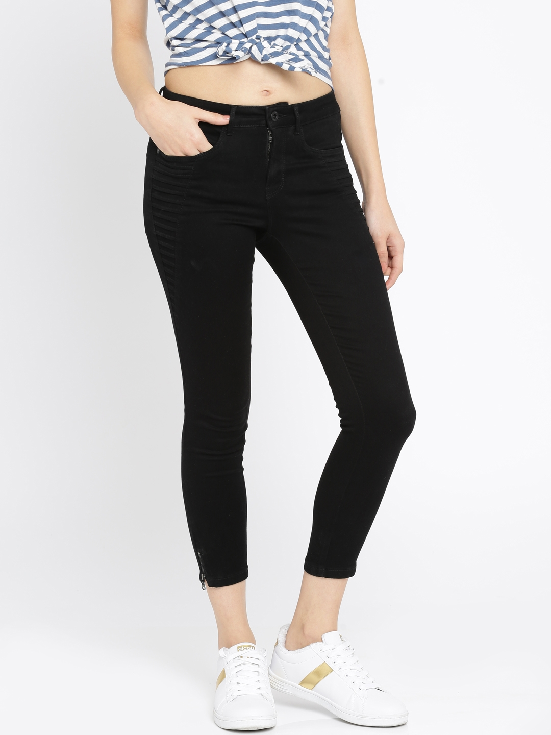8065f9e6f Buy ONLY Women Black Skinny Fit Stretchable Jeans - Jeans for Women ...