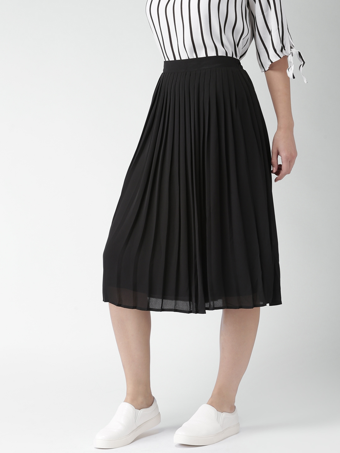 652ddbf00f Buy FOREVER 21 Black Midi Flared Skirt With Accordion Pleats ...