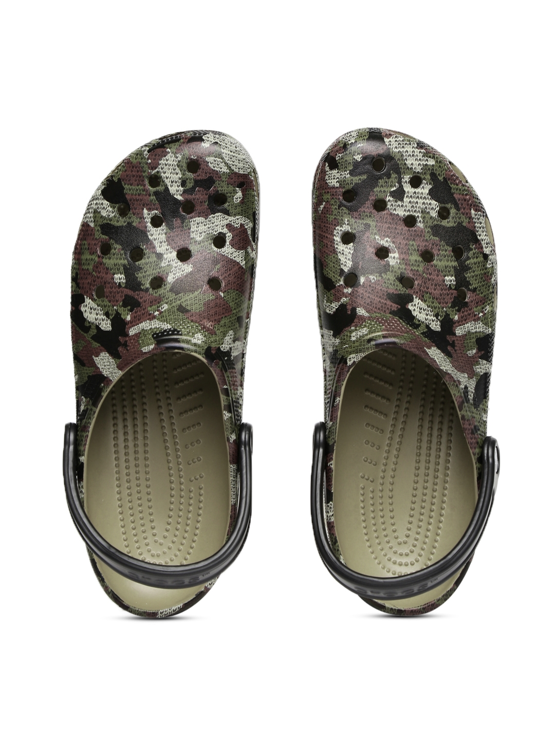 9c25d2eb86909 Buy Crocs Men Olive Green Printed Camo Clogs - Flip Flops for Men ...