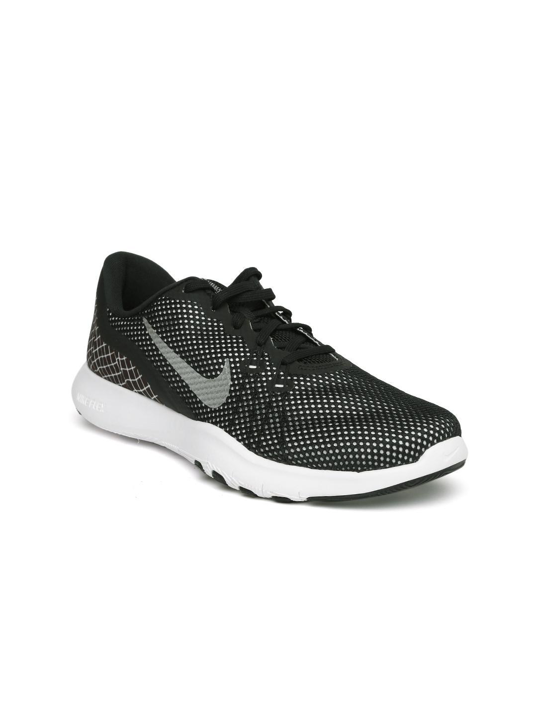 98326193762e Buy Nike Women Black   White Training Or Gym Shoes - Sports Shoes ...