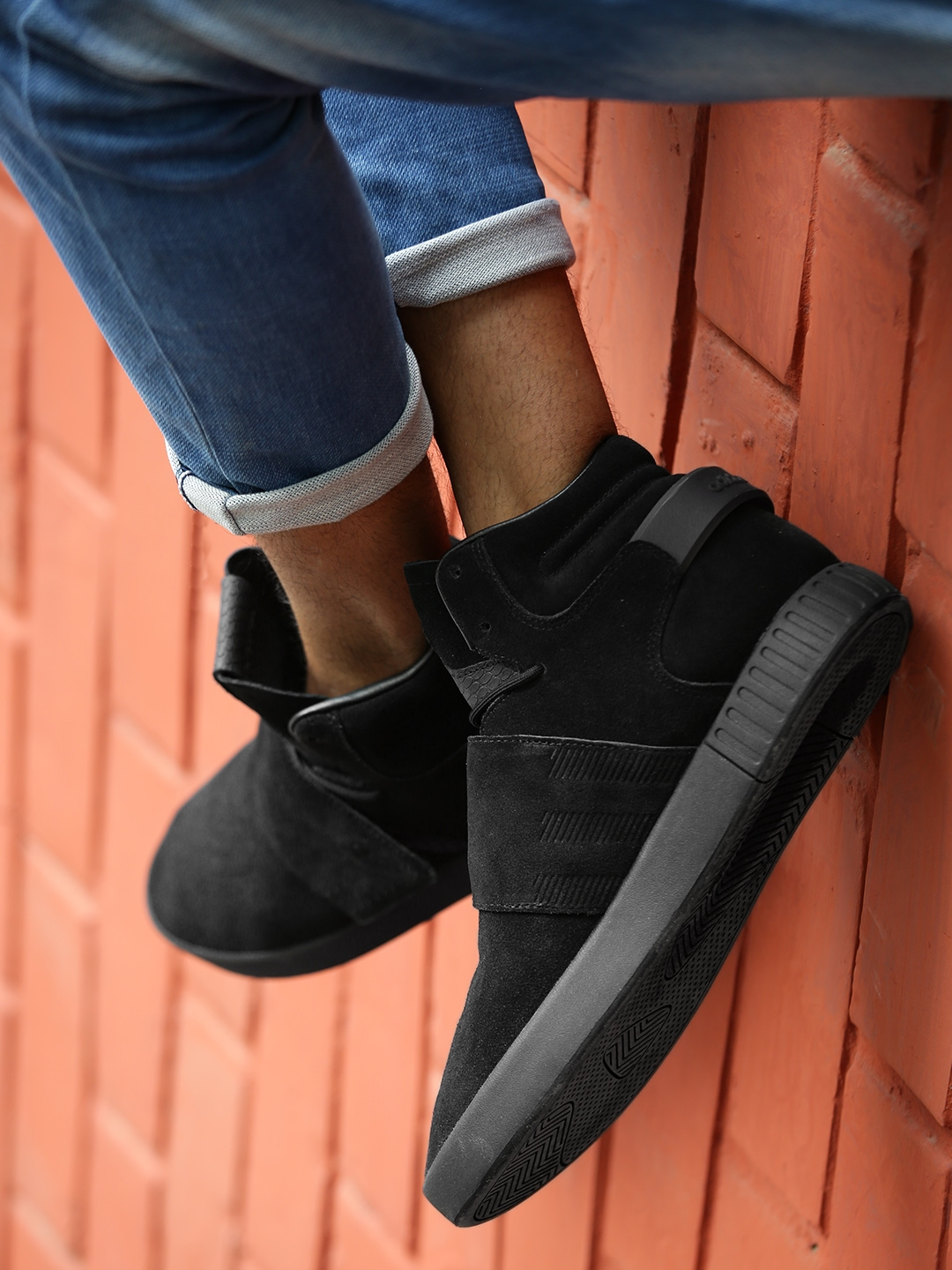 afac511d468d ADIDAS Originals Men Black Tubular Invader Strap Leather Mid-Top Sneakers