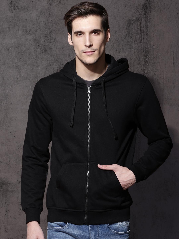 5f3b28483 Roadster Men Black Solid Hooded Sweatshirt
