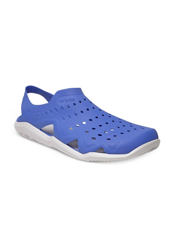 b8c3a081abd2 Buy Crocs Men Blue Swiftwater Wave Clogs - Flip Flops for Men ...