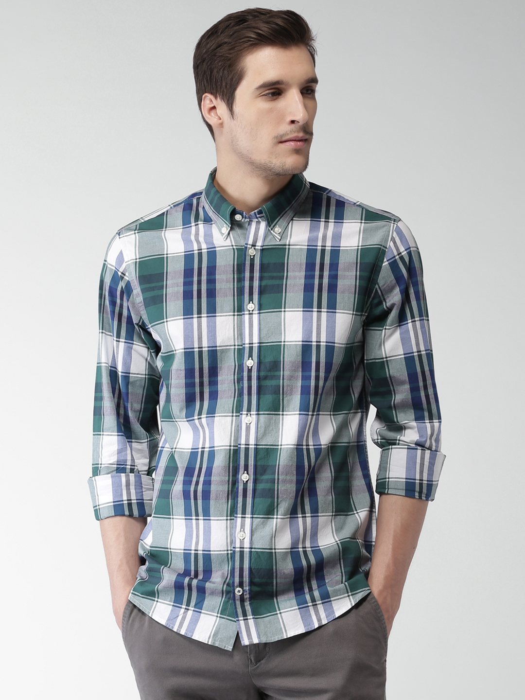 c721e4bc6 Tommy Hilfiger Men Green & White New York Slim Fit Checked Casual Shirt