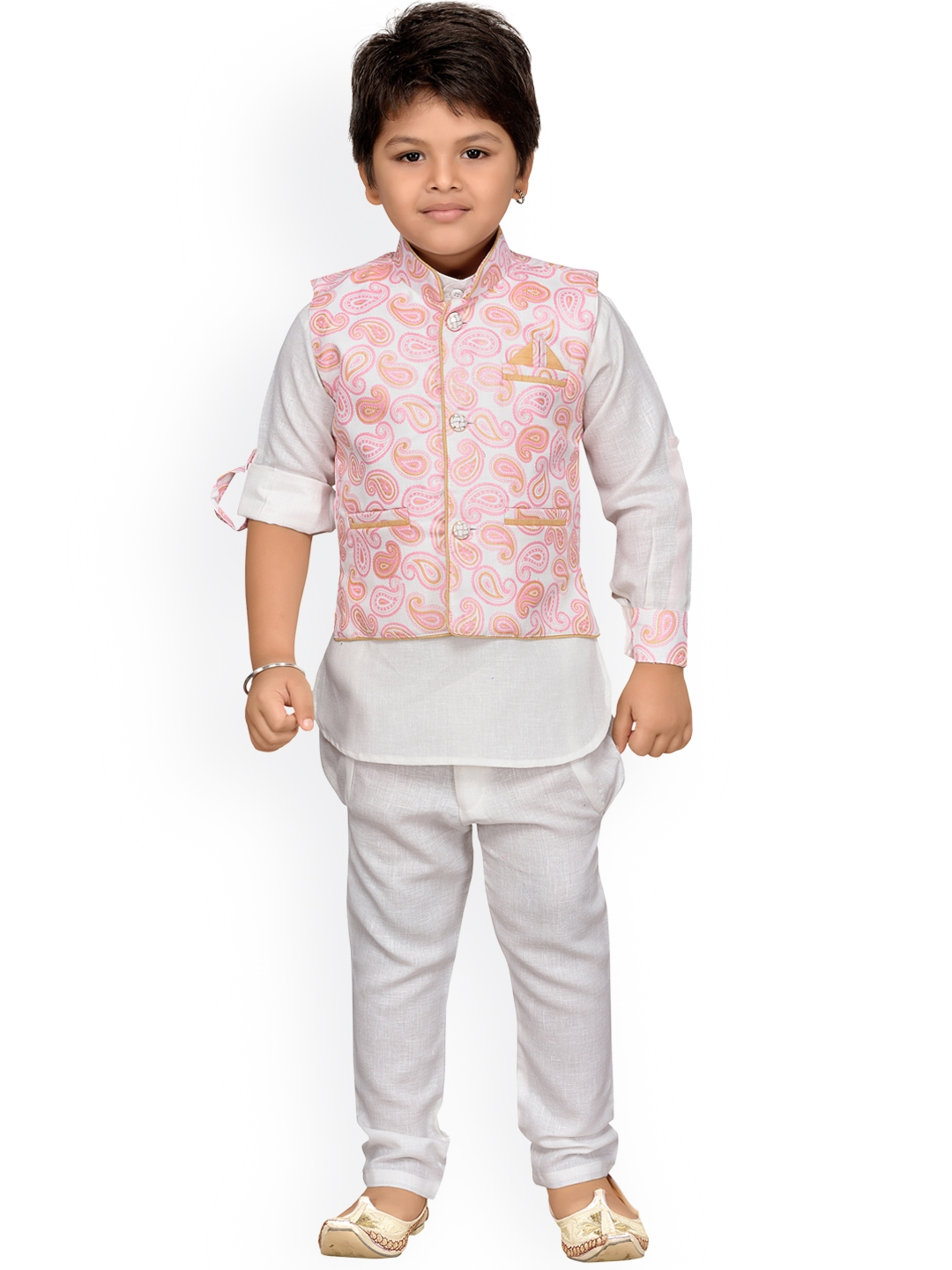 f0278153a Buy Aj DEZInES Boys Off White   Pink Printed Kurta With Pyjamas ...