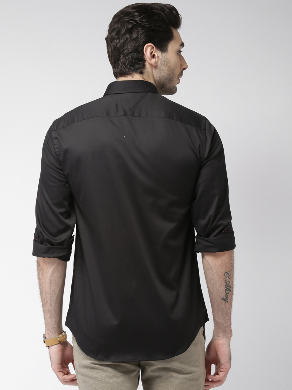 bed0148c0e Buy Tommy Hilfiger Men Black New York Regular Fit Solid Casual Shirt ...