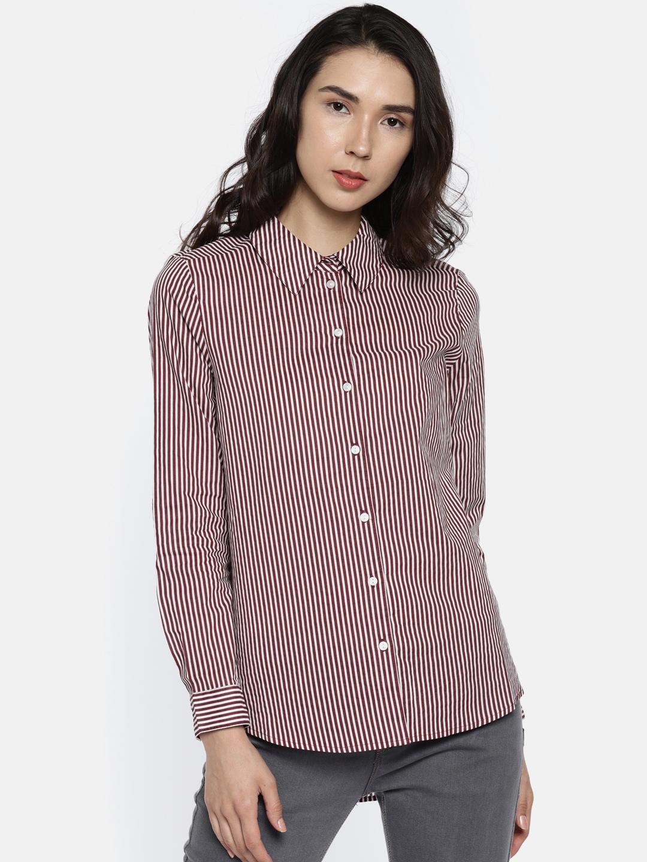 688822471e Buy Vero Moda Women Burgundy & White Regular Fit Striped Casual ...