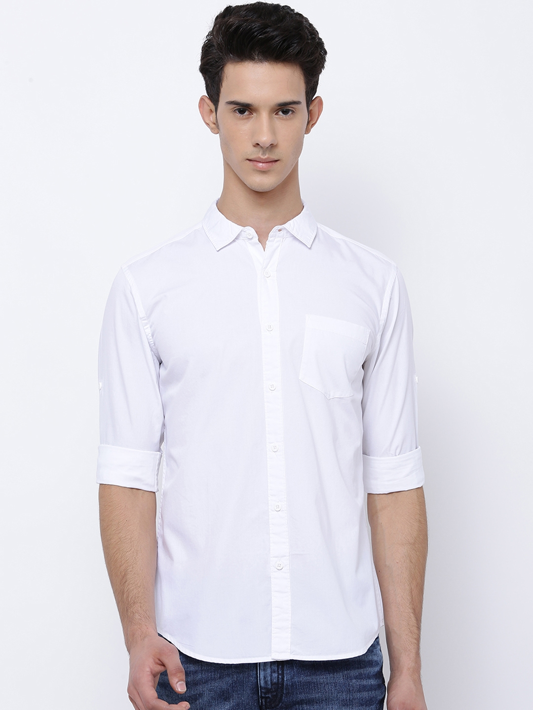 86f4bc286473 Buy HIGHLANDER Men White Slim Fit Solid Casual Shirt - Shirts for ...