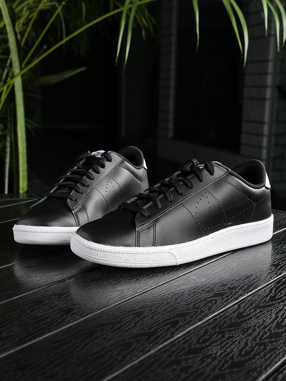new styles cca07 399b6 Nike Men Black TENNIS CLASSIC CS Leather Sneakers