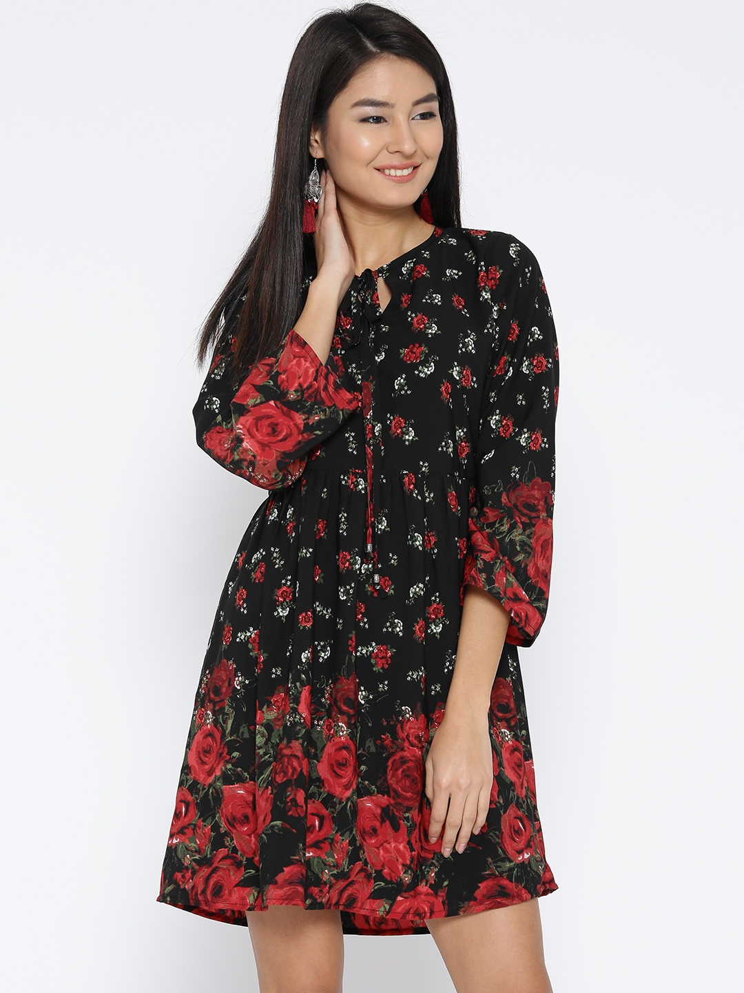 a74f8d4a037 Buy Sera Women Black   Red Floral Print Fit And Flare Dress ...
