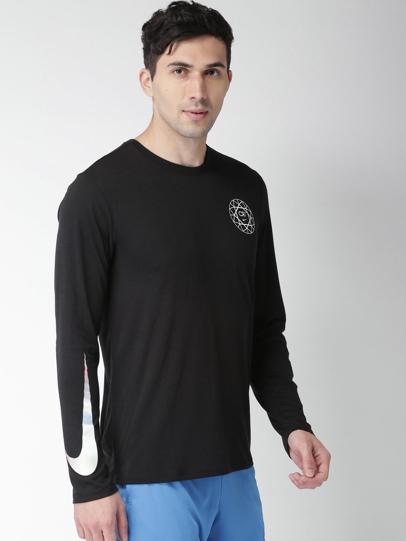 1ac4d5ca3da Buy Nike Men Black RONALDO M NK TEE LS DRY LOGO Solid Round Neck T ...