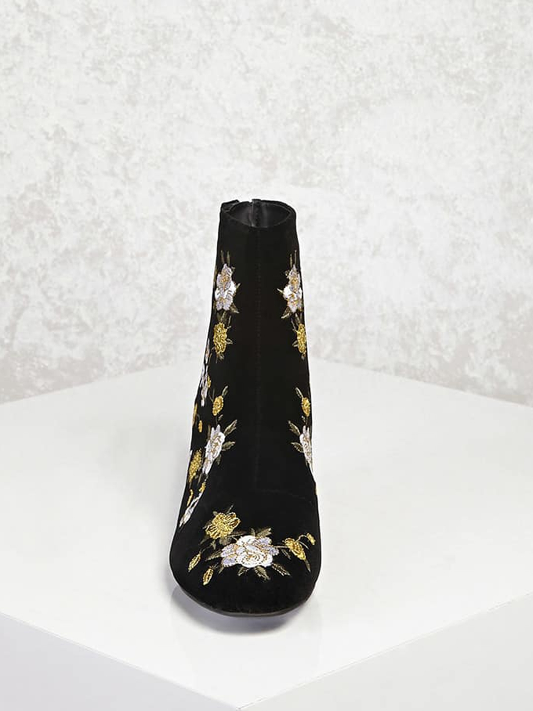 730db5276ca3 Buy FOREVER 21 Women Black   Yellow Embroidered Heeled Boots - Heels ...