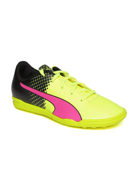 Puma Kids Fluorescent Green   Black Football evoSPEED 5.5 TT Sports Shoes