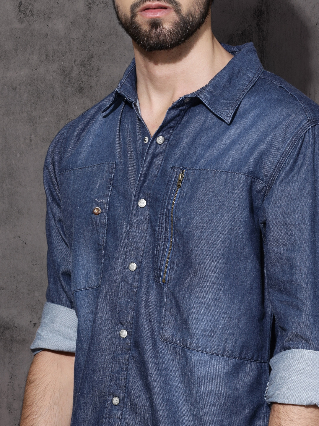 9ad9c8c197 Buy Roadster Men Blue Regular Fit Chambray Utility Casual Shirt ...