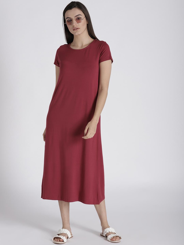 568de98259e49 Buy Splash Women Maroon Solid Midi T Shirt Dress - Dresses for Women ...
