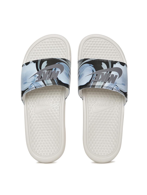 los angeles a3b5e 3f9d0 Nike Women Blue   Black BENASSI JDI Printed Flip-Flops