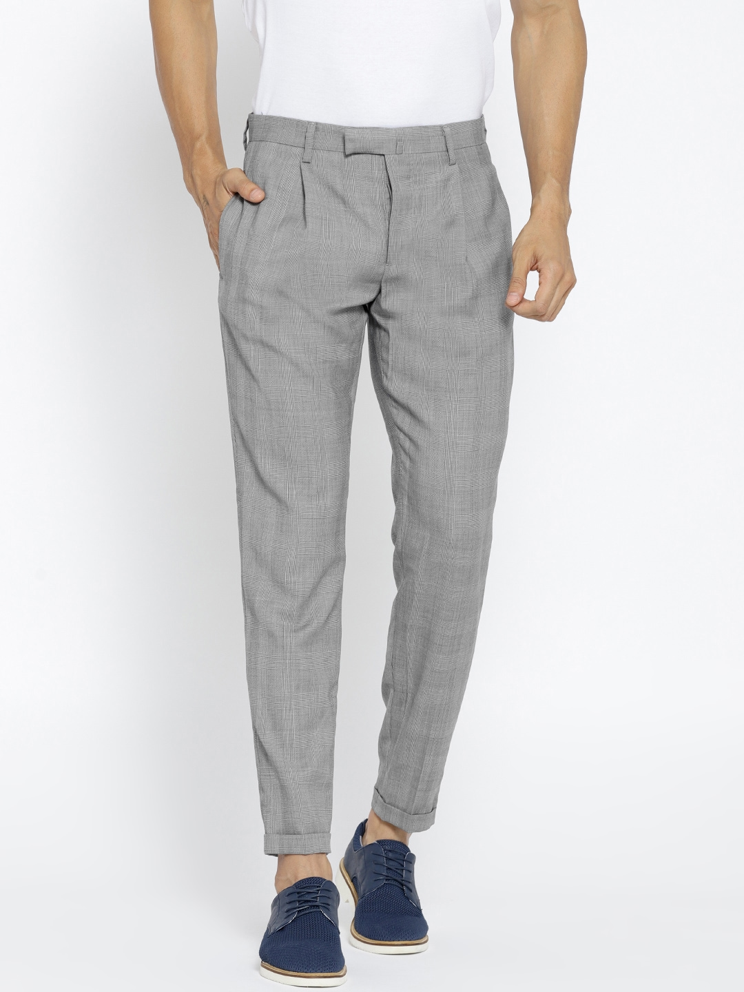 dabab1f9439 Buy MANGO MAN Grey Regular Fit Self Checked Trousers - Trousers for ...