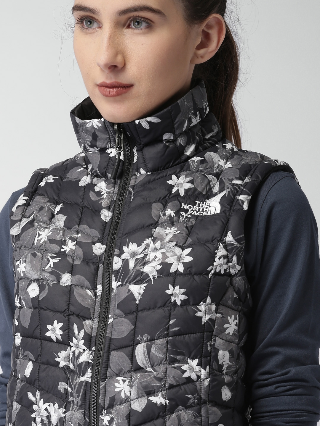 723ff7b275 Buy The North Face Black Printed W THERMOBALL VEST AP Quilted Jacket ...