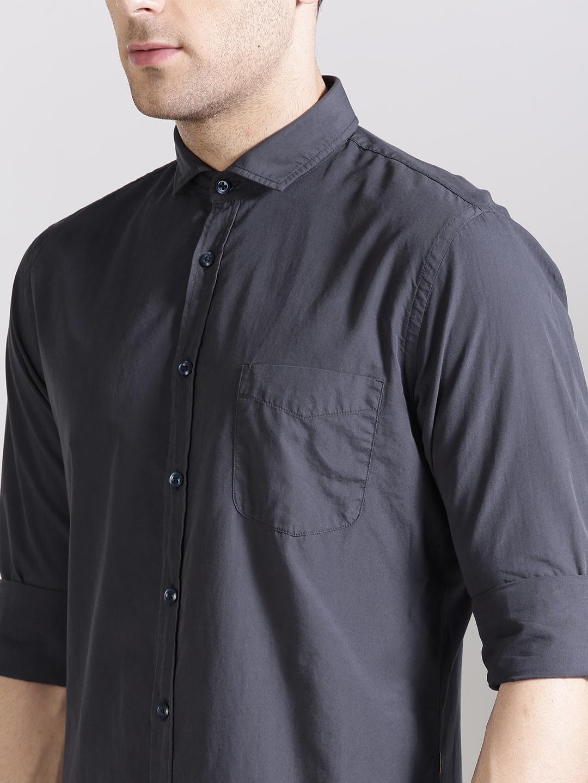 f45ea45a Buy BOSS Orange Men Charcoal Grey Slim Fit Solid Casual Shirt ...