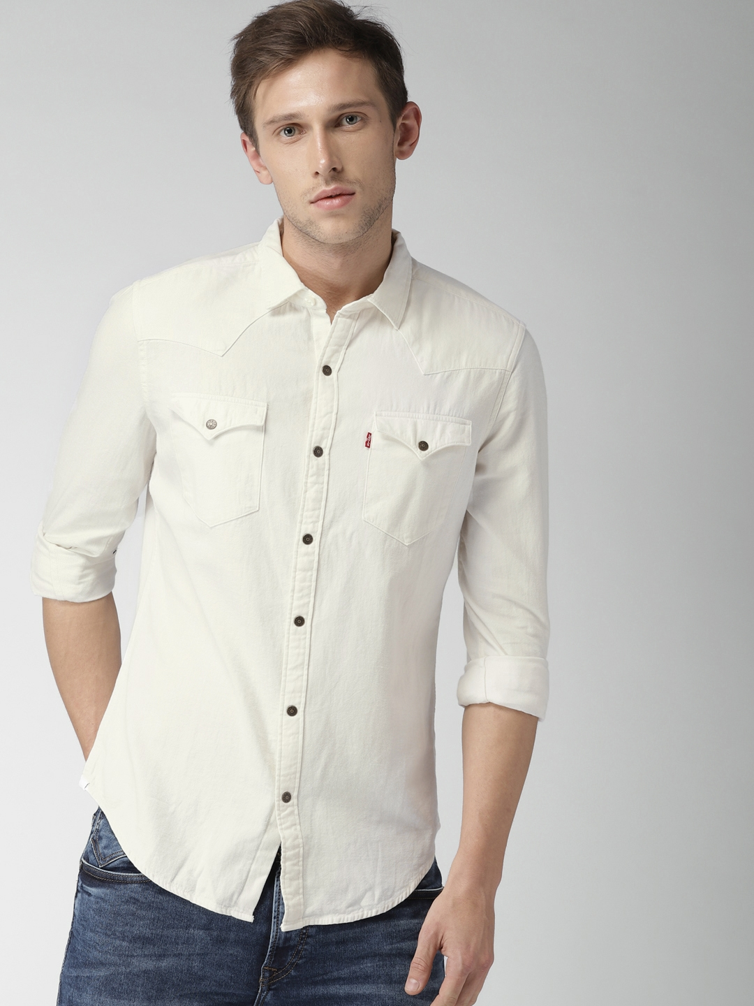 7a887ed716 Buy Levis Men White Slim Fit Solid Casual Shirt - Shirts for Men ...