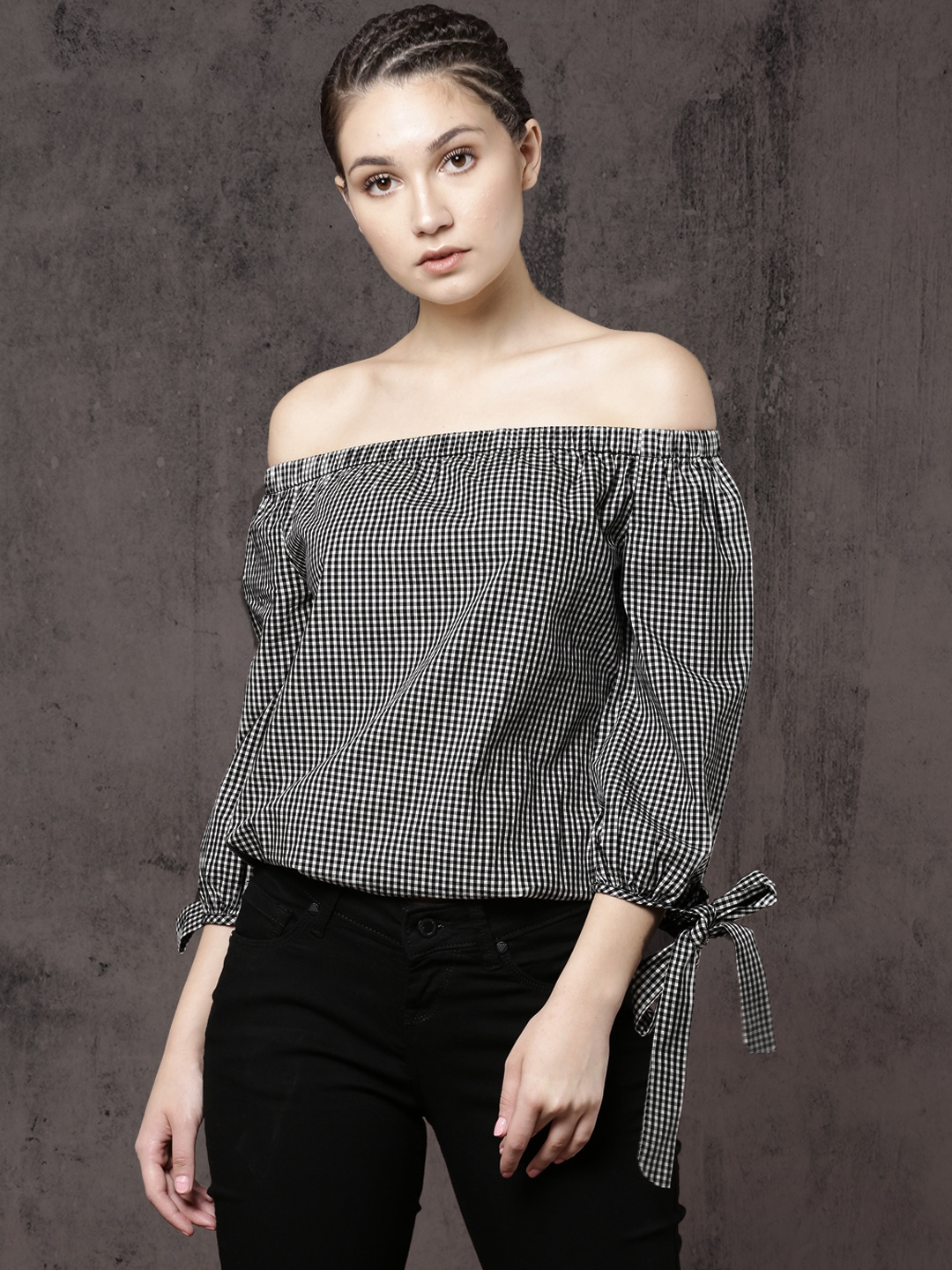 919275fd82ed66 Buy Roadster Time Travlr Women Black Checked Bardot Top - Tops for ...