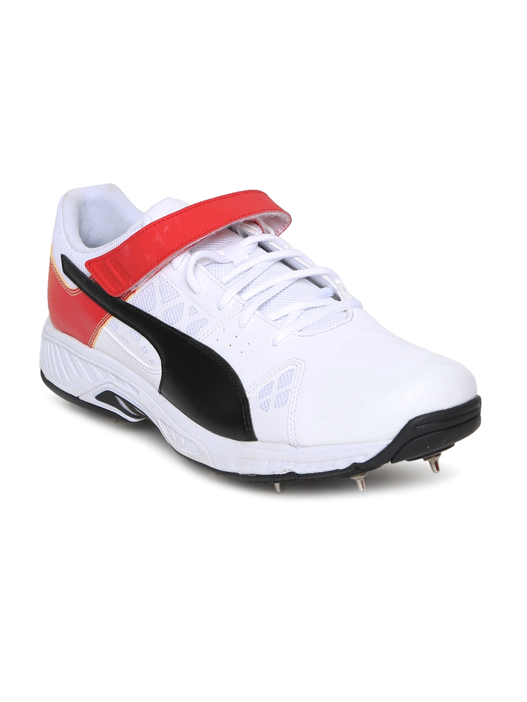 Buy Puma Men White EvoSPEED 18.1 Cricket Bowling - Sports Shoes for ... 93ba63c4e
