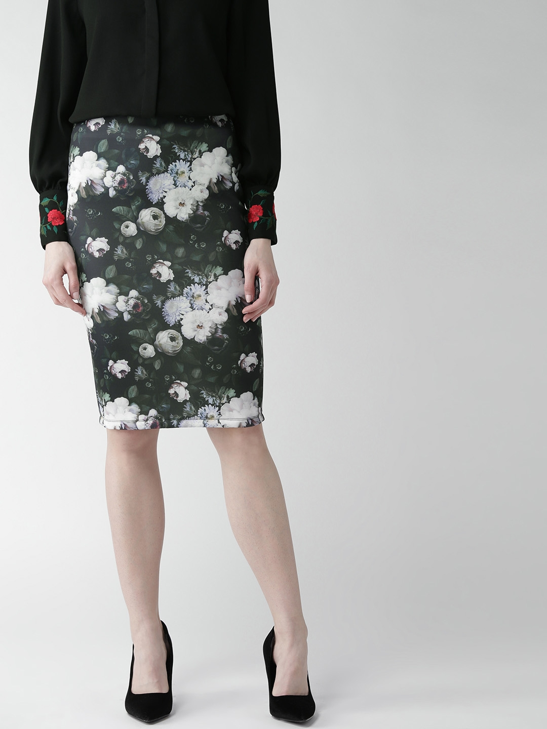 8781604c7304 Buy 20Dresses Green & White Floral Print Pencil Skirt - Skirts for ...