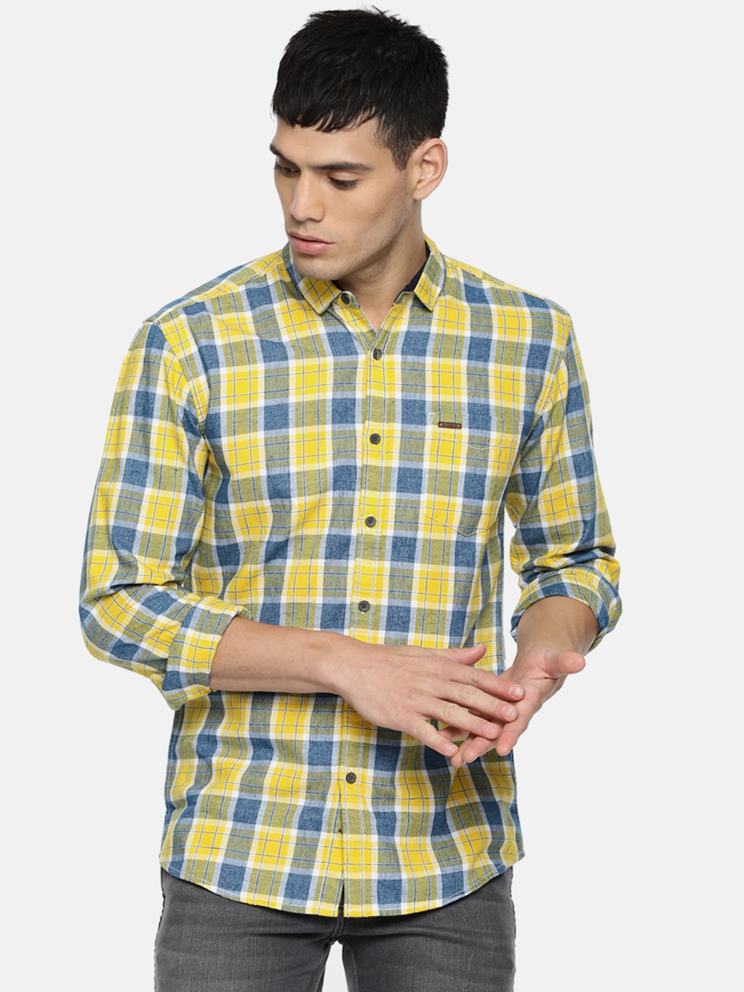 9a6724a5 Buy Wrangler Men Yellow & Blue Slim Fit Checked Casual Shirt ...