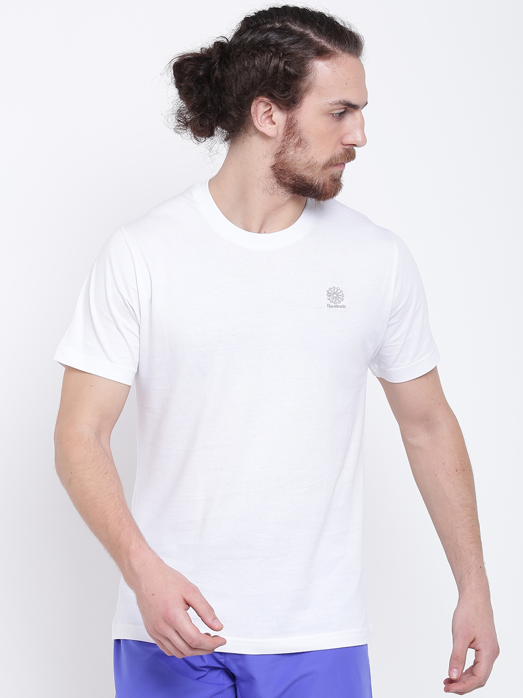 39e63734 Buy Reebok Classic Men White F STARCREST Solid Round Neck T Shirt ...