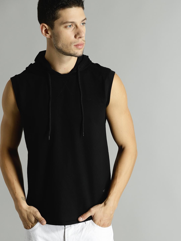 Roadster Men Black Solid Hooded T shirt