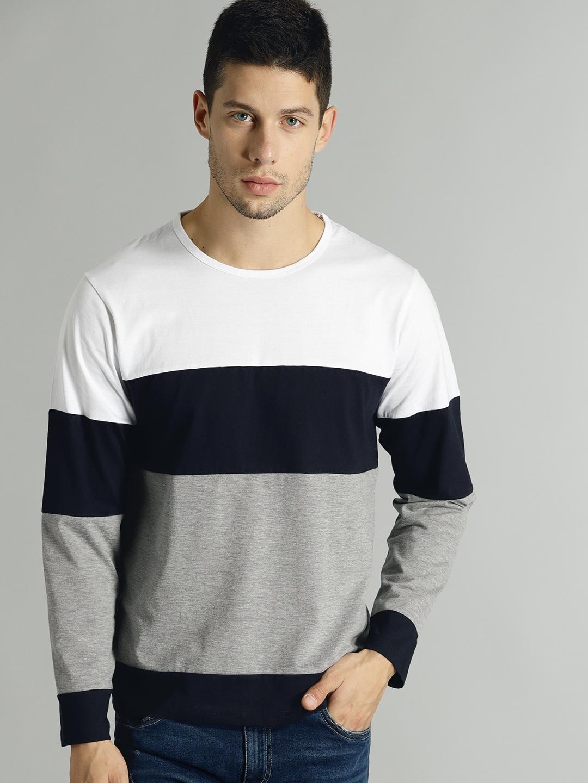 32557f9d617ed Buy Roadster Men Off White   Black Striped Round Neck T Shirt ...