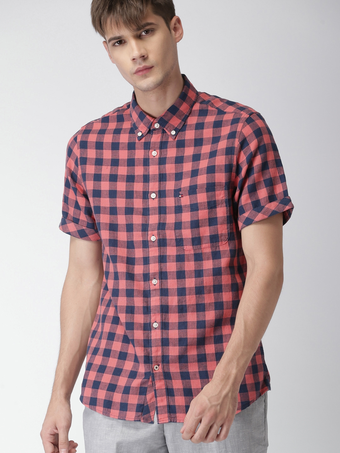 8e8920bc Tommy Hilfiger Men Coral Pink & Navy Blue Slim Fit Checked Casual Shirt