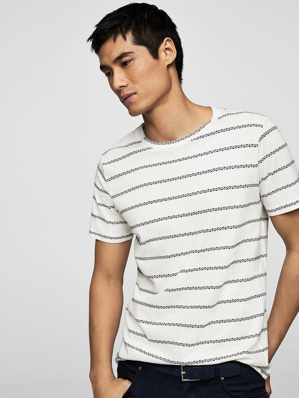 103319df50 Buy MANGO MAN Men White   Navy Blue Striped Round Neck T Shirt ...