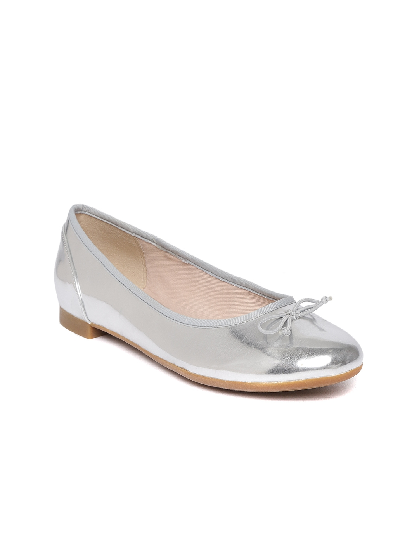 fd365beb1 Buy Clarks Women Silver Toned Solid Ballerinas - Flats for Women ...