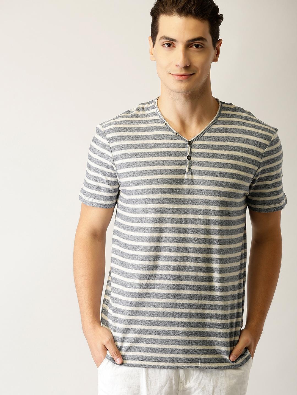 b1f40b072b82b0 Buy ESPRIT Men Navy Blue   Beige Striped V Neck T Shirt - Tshirts ...
