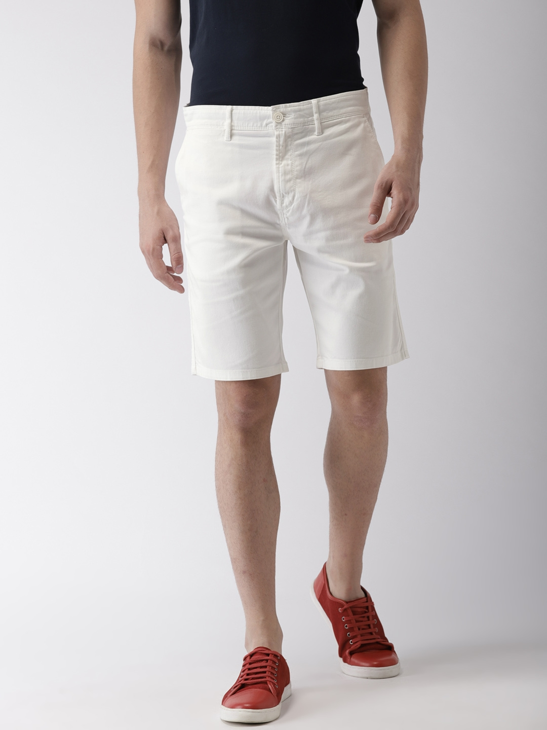 ce0aa6d8695c Buy Levis Men Off White Relaxed Tapered Fit Chino Shorts - Shorts ...