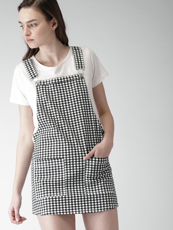 66ce806d8c7 Buy FOREVER 21 Women Black   White Checked Pinafore Dress - Dresses ...